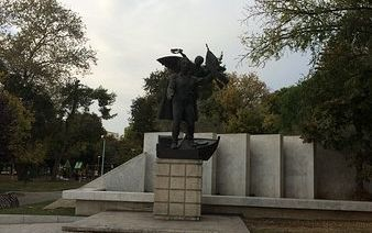 Monument Emmanouil Papa