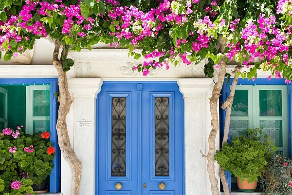 Греция в апреле: куда поехать