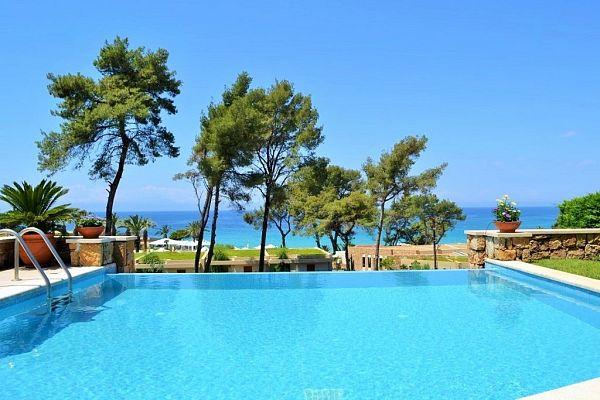 Rental of a family-friendly villa in Greece