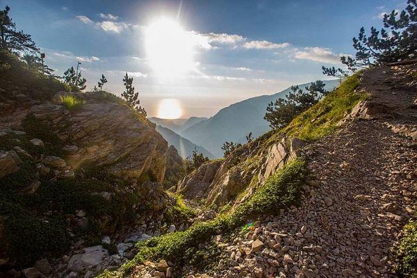 Отдых в Греции весной: куда поехать и что посмотреть?